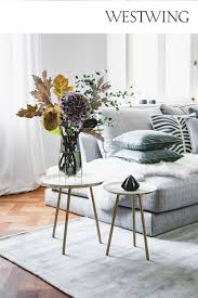 vasen dekorieren tipps schöne ideen westwing in 2021
