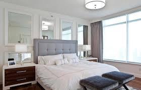 wir hängen einen spiegel im schlafzimmer nach 8 regeln