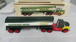 FOR SALE IN NJ: 1969 AMERADA HESS TRUCK ORIGINAL BOX NEAR MINT ...