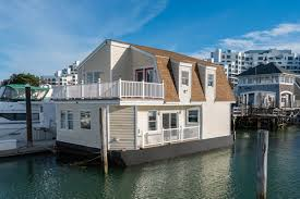 100 Boat Homes On The Market A TwoBedroom Houseboat In Quincy