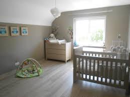 chambre enfant mixte photos décoration de chambre bébé enfant mixte nature brun taupe