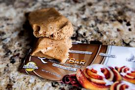 Quest Protein Bar Cinnamon Roll Review 3