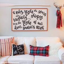 How to make your own DIY Song Lyrics Sign at thehappyhousie