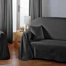 housse de canapé grise jeté de canapé et plaids le confort de votre canapé