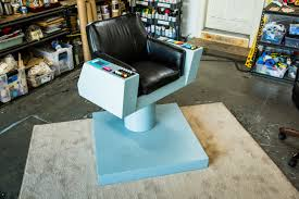 Star Trek Captains Chair by Diy Captain Kirk Chair How To Hallmark Channel