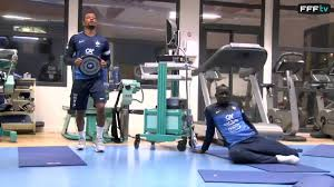 salle musculation 16 en salle de musculation avec les bleus