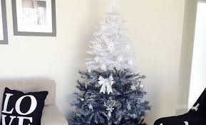 How To Get The Ombre Christmas Tree Trend