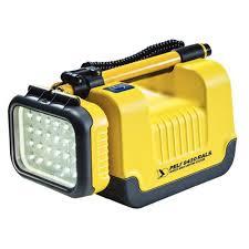 projecteur led portable ultra puissant peli 9430 3000 lm m