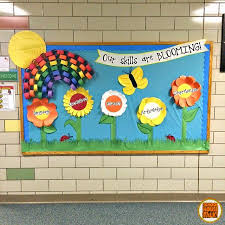 A Bright And Eye Catching Bulletin Board Idea For The Spring Season I Spent Better Part Of Three Days In Late March Designing