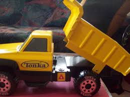 2012 HASBRO TONKA CLASSICS LARGE STEEL DUMP TRUCK - 14 [253234813355 ... 021664939185 Upc Toy Tonka Classic Steel Mighty Dump Truck 1960 Truckvintagered And Green All Original Ebay Haul Unload Piles Of Rocks Gravel With The Cstruction Ardiafm Loader Model 90697 For Kids Youtube Classics Toyworld Vehicle Play Vehicles Mighty Amazon Summer Deals Paw Review What Redhead Said Funrise Trucks Durable Building Toughest 90667 Northern