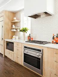 Backsplash Ideas With White Cabinets by Best 25 Light Wood Cabinets Ideas On Pinterest Kitchen Ideas