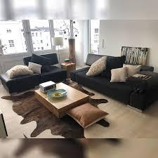 gabriele aus köln stattete ihr wohnzimmer mit zwei sofas vom