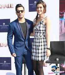 Dilwale Promotional Event Varun Dhawan and Kriti Sanon Picture