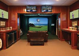 A Man Cave for Golfers Traditional Basement Toronto