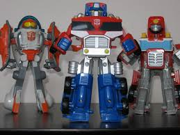 The Toyseum: Transformers Rescue Bots - Optimus Prime, Heatwave & Blades