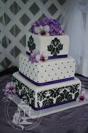 Purple And Black Damask Wedding Cake I Dont Know If Favor It As A But Still Is Stunning