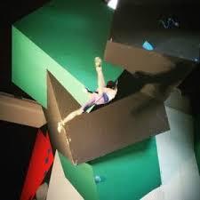 salle de bloc vertical salle d escalade de bloc cardio fitness bar