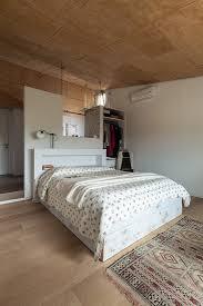 doppelbett an raumteiler und bild kaufen 12536393