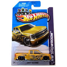Amazon.com: Hot Wheels HW Showroom Chevy Silverado: Toys & Games