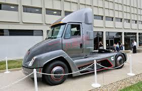 100 Cummins Trucks Engine Giant Launched Its Electric Semi Ahead Of Tesla