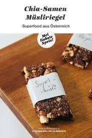 chia müsliriegel mit kakao oder superfood aus österreich