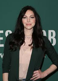 Laura Prepon Signing Her New Book At The Barnes & Noble At The