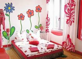 Flower Wall Painting Design For Tenage Bedroom To Look Girly