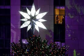 Rockefeller Christmas Tree Lighting 2014 Watch by Nyc Christmas Tree Lighting Amid Protests Police The Blade