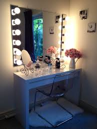 Makeup Vanity Table With Lighted Mirror Ikea by Quelques Idées