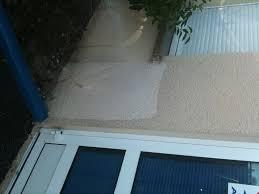 anti mousse murs exterieurs comment nettoyer une façade des salissures pollution mousses et