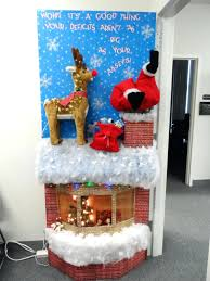 Cubicle Holiday Decorating Themes office design office christmas decoration themes office door