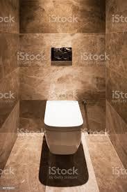 detail der toilette in einem marmorbadezimmer stockfoto und mehr bilder architektur