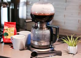 Amazing Coffee Brewing In A KitchenAid Siphon Brewer