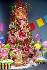 Type Of Christmas Tree Decorations by Best 25 Candy Christmas Trees Ideas On Pinterest Whimsical