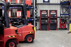 Linde Hungary Is Relying On Switch Box From Fronius - Logistics ... Kelvin Eeering Ltd Linde 45 Ton Diesel Forklift H 1420 Material Handling Pdf Catalogue Technical Bruder Keltuvas Linde H30d Su 2 Paletmis 02511 Varlelt Electric Forklift Rideon For Very Narrow Aisles With Pivoting Preuse Check Book Rider Operated Fork Lift Trucks Series 386 E12e20l Asia Pacific 4050 Evo Linde Heavy Truck Division Catalogues Hire Series 394 H40h50 Engine Material Handling Fp Design Wzek Widowy H80d 396 2010 Sale Poland Bd Akini Krautuv E 30 L01 Pardavimas I Olandijos Pirkti E80vduplex2001rprzesuw Trucks