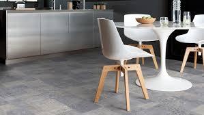 vinylboden in fliesenoptik für küche und bad bodenbelag