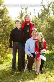 Elgin Il Christmas Tree Farm by Family Christmas Portrait Christmas Tree Farm Holding A