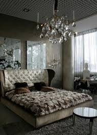 Ideas to Use Mirrored Furniture in the Bedroom Interior design