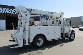 Digger Derricks For Trucks | Commercial Truck Equipment