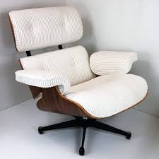 Lounge Chair Charles Eames Design Ideas - Charles Eames Lounge ... The Eames Lounge Chair Is Just One Of Those Midcentury Fniture And Plus Herman Miller Eames Lounge Chair Charles Herman Miller Vitra Dsw Plastic Ding Light Grey Replica Kids Armchair Black For 4500 5 Off Uncategorized Gerumiges 77 Exciting Sessel Buy Online Bhaus Classics From Wellknown Designers Like Le La Fonda Dal Armchairs In Fiberglass Hopsack By Ray Chairs Tables More Heals Contura Fehlbaum Fniture And 111 For Sale At 1stdibs