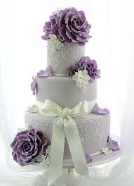 Purple wedding cakes with an elegant impression 9