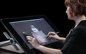 CES 2015 Wa Announces The Cintiq 27QHD Tablet Device Designed