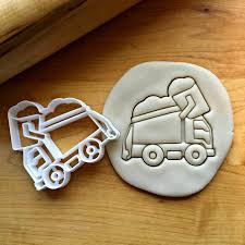 Garbage Truck Cookie Cutter | Sweet Prints Inc. Truck Cookie Cutter Fire 5 Inch Coated By Global Sugar Art Amazoncom Grandpas Old Farm Pickup Kitchen Cutters Jb Custom Exclusive How To Make Ice Cream Cookies Semi Sweet Designs Dump Arbi Design Cookiecutz Food 375 In Experts Since 1993 Truck And Products Set The Shop Little Blue Cnection
