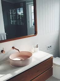 ein spiegel im schlafzimmer feng shui experten klären auf