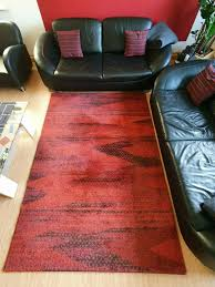 wohnzimmerteppich teppich rot schwarz 230x160 guter zustand