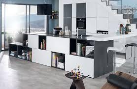 cuisine sur salon 7 solutions pour des cuisines ouvertes sur salon mobalpa international
