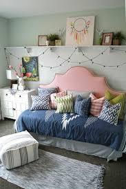 tete de lit chambre ado la chambre ado fille 75 idées de décoration archzine fr