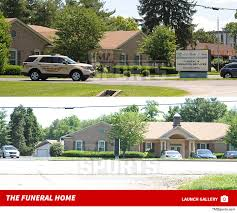 Muhammad Ali Cops Protecting Funeral Home PHOTOS