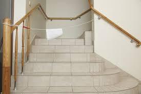 pose carrelage escalier quart tournant poser du carrelage dans un escalier