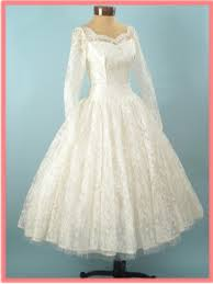 1950s VINTAGE WHITE LACE TEA LENGTH WEDDING DRESS